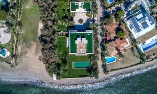 Prestigious palatial front line beach villa for sale, classic style, between Marbella and Estepona 5512