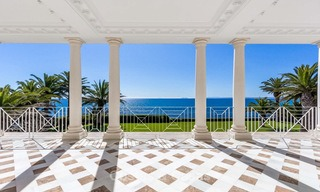 Prestigious palatial front line beach villa for sale, classic style, between Marbella and Estepona 5523