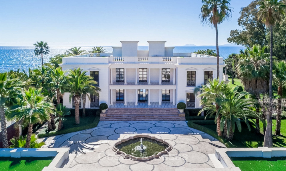 Prestigious palatial front line beach villa for sale, classic style, between Marbella and Estepona 5526