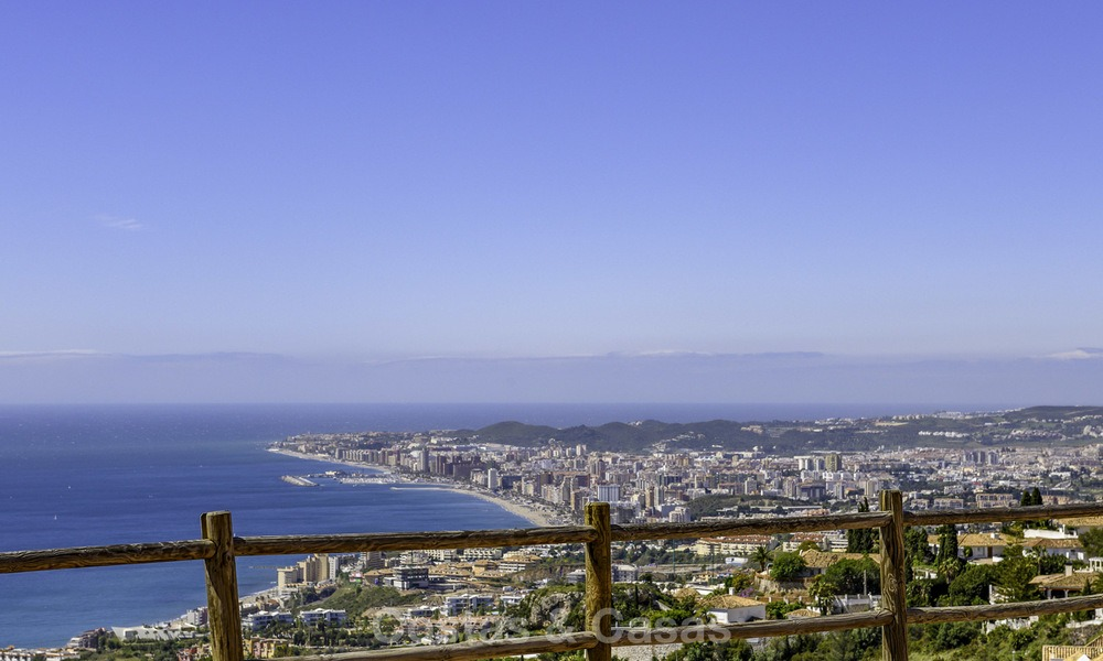 New exclusive, avant garde apartments for sale, with panoramic seaviews, Benalmadena, Costa del Sol 12385