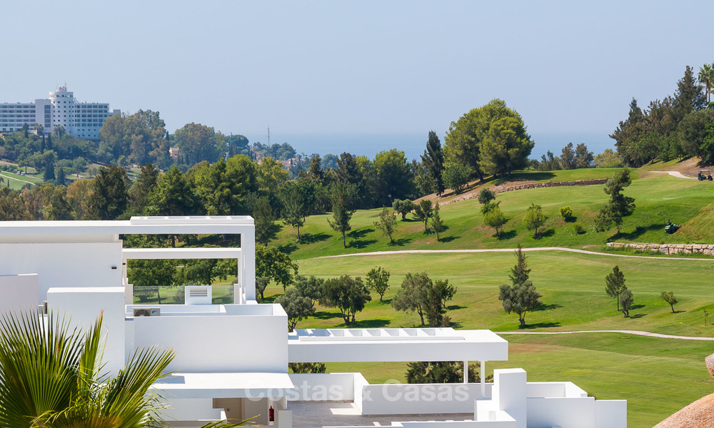 New, modern raised garden apartment with golf, mountain- and sea-views for sale in Benahavis - Marbella 5813