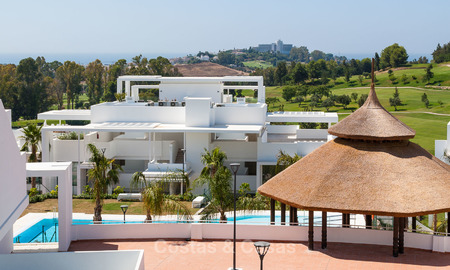 New, modern raised garden apartment with golf-, mountain- and sea-views for sale in Benahavis - Marbella 5815
