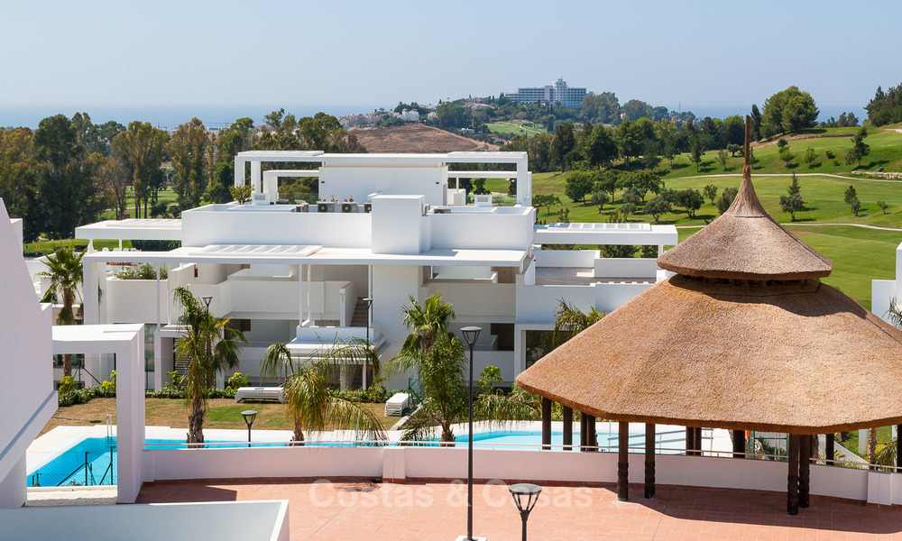 New, modern raised garden apartment with golf, mountain- and sea-views for sale in Benahavis - Marbella 5815