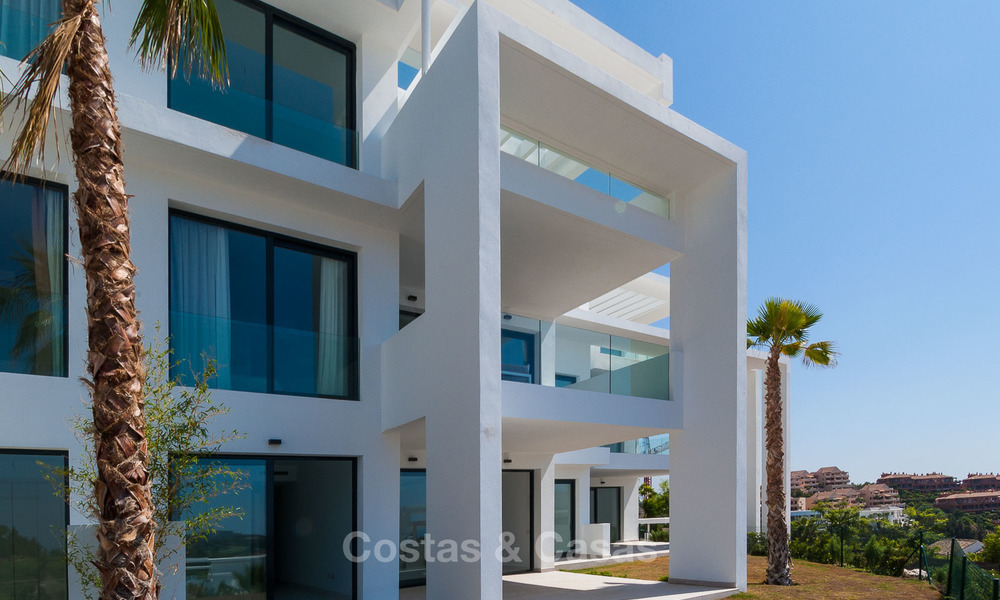 New, modern raised garden apartment with golf, mountain- and sea-views for sale in Benahavis - Marbella 5816