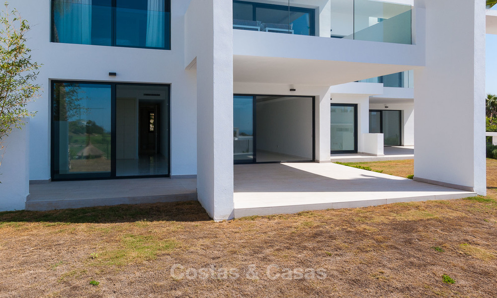 New, modern raised garden apartment with golf, mountain- and sea-views for sale in Benahavis - Marbella 5819