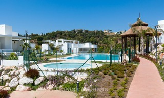 New, modern raised garden apartment with golf, mountain- and sea-views for sale in Benahavis - Marbella 5823