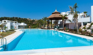 New, modern raised garden apartment with golf, mountain- and sea-views for sale in Benahavis - Marbella 5824