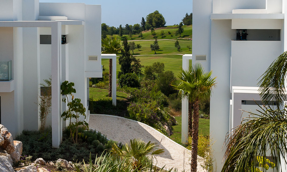 New, modern raised garden apartment with golf, mountain- and sea-views for sale in Benahavis - Marbella 5826