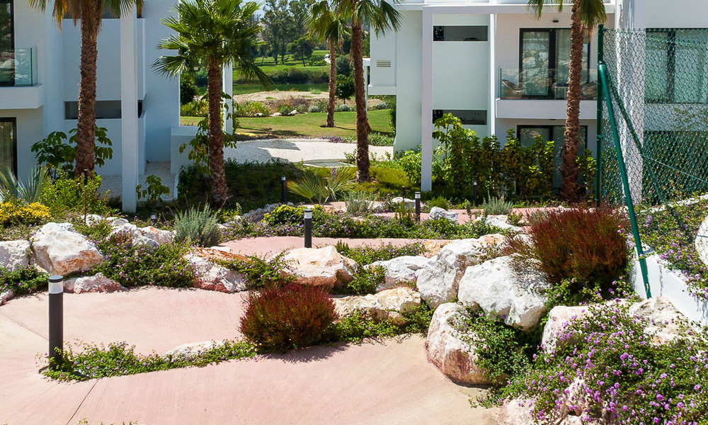New, modern raised garden apartment with golf, mountain- and sea-views for sale in Benahavis - Marbella 5827
