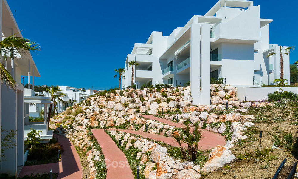 New, modern raised garden apartment with golf, mountain- and sea-views for sale in Benahavis - Marbella 5830