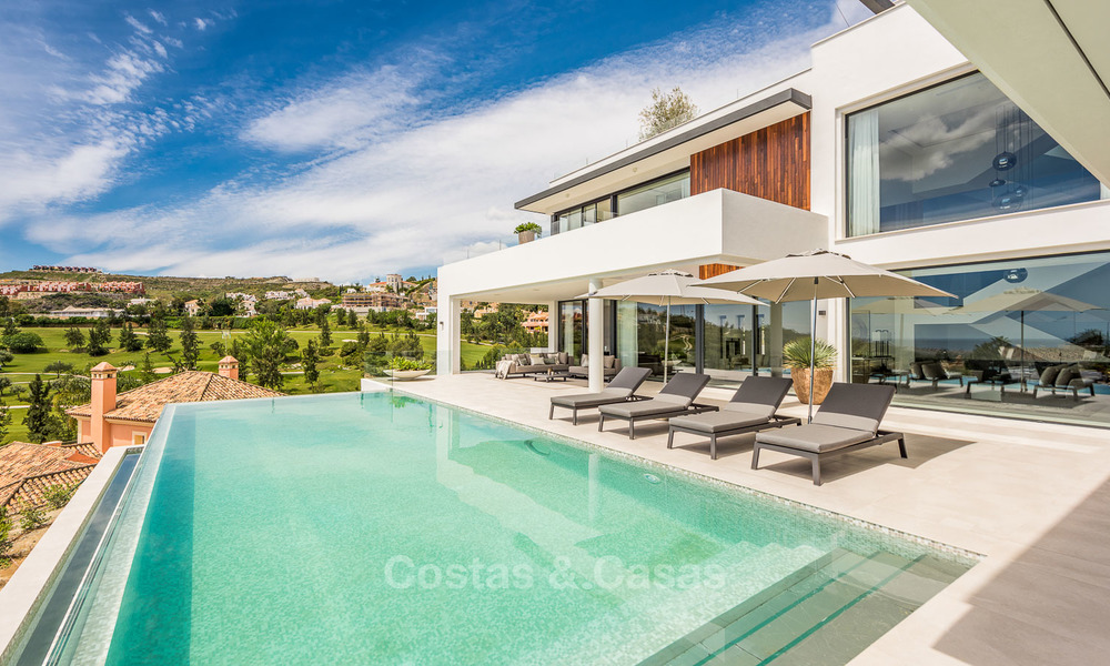 Spectacular high-end luxury villa for sale, turnkey, with panoramic sea, golf and mountain views, Benahavis - Marbella 5857