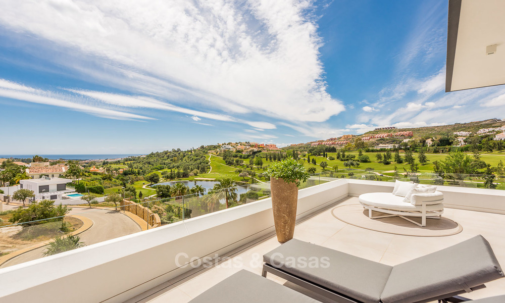 Spectacular high-end luxury villa for sale, turnkey, with panoramic sea, golf and mountain views, Benahavis - Marbella 5861