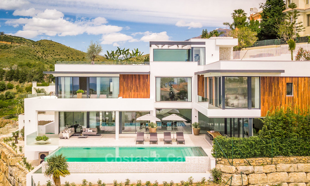 Spectacular high-end luxury villa for sale, turnkey, with panoramic sea, golf and mountain views, Benahavis - Marbella 5871