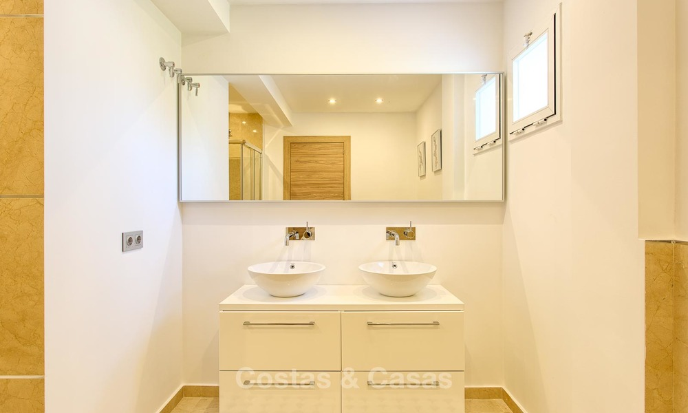Cosy and bright apartment for sale, recently renovated, Nueva Andalucía, Marbella 6042
