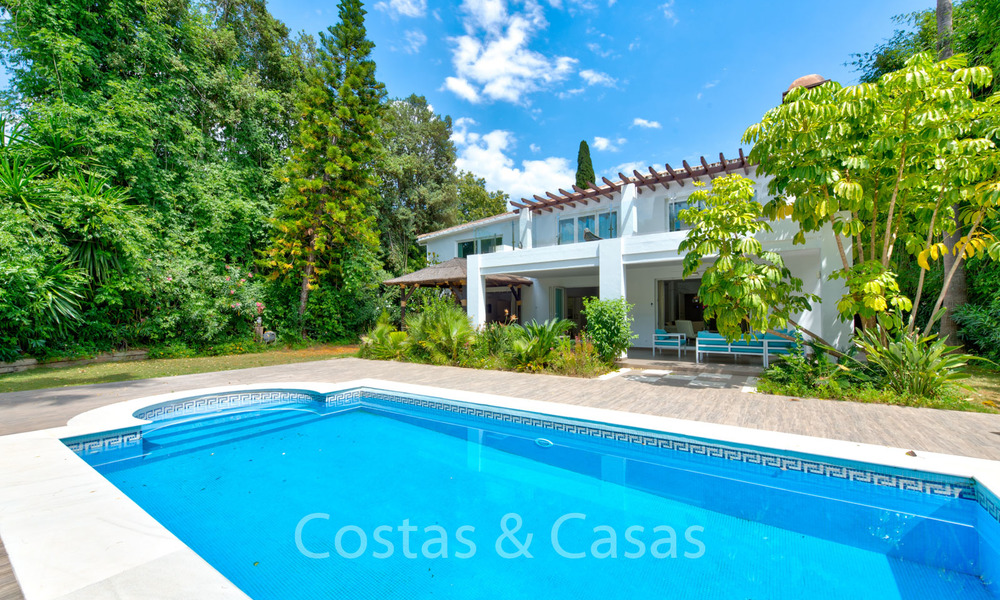 Gorgeous renovated villa for sale in the heart of Nueva Andalucía's Golf Valley - Marbella 6454