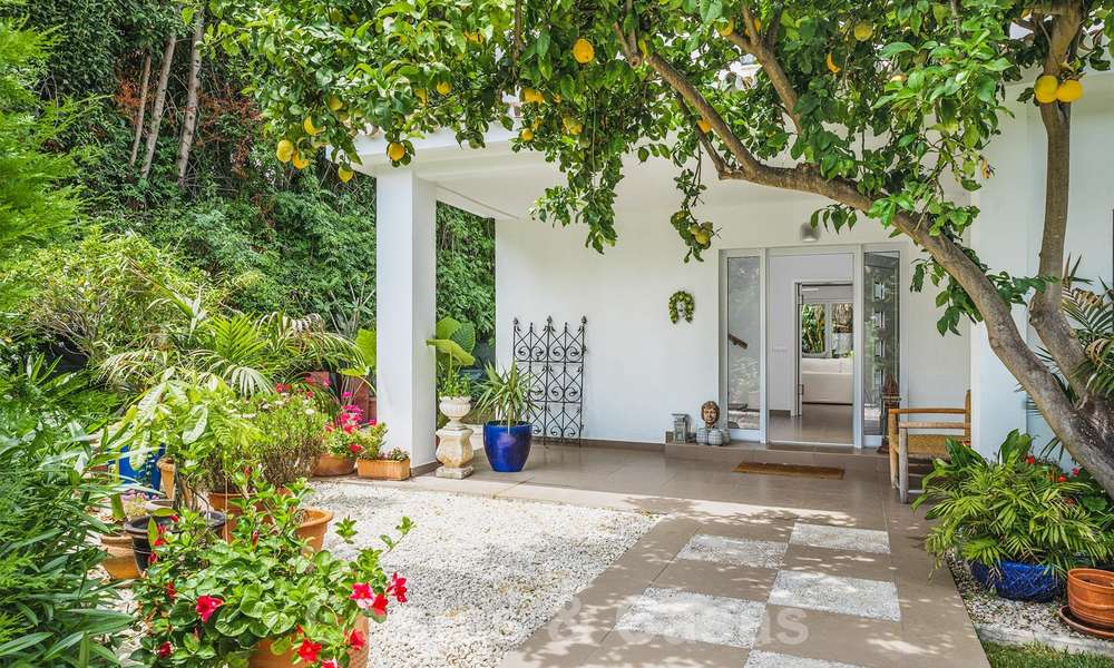 Gorgeous renovated villa for sale in the heart of Nueva Andalucía's Golf Valley - Marbella 26640