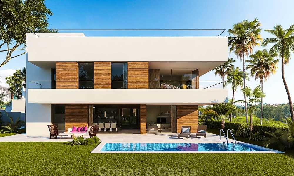 Modern, light and comfortable luxury villas for sale at a prime golf resort, New Golden Mile, Marbella - Estepona 6659