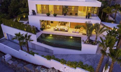 Superb new modern luxury villa in a top class golf resort for sale, Benahavis - Marbella 19576
