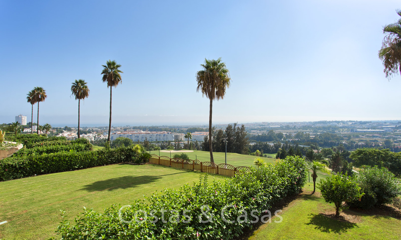 For sale: Modern luxury apartment in a sought after residential complex in the heart of Nueva Andalucia´s Golf Valley - Marbella 6565