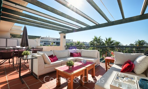 Desirable penthouse apartment, walking distance from beach and Puerto Banus, Nueva Andalucia - Marbella 6603
