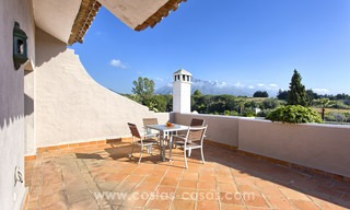 Superbly located duplex penthouse apartment for sale, walking distance to Puerto Banus, the beach and amenities - Nueva Andalucia, Marbella 6678