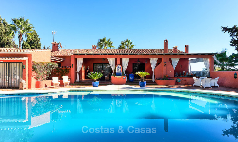 Spacious villa with good potential for sale, walking distance to the beach and Puerto Banus - Golden Mile, Marbella 6695