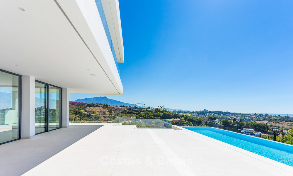 Majestic modern villa with panoramic sea views for sale, front-line golf, Benahavis - Marbella 6861