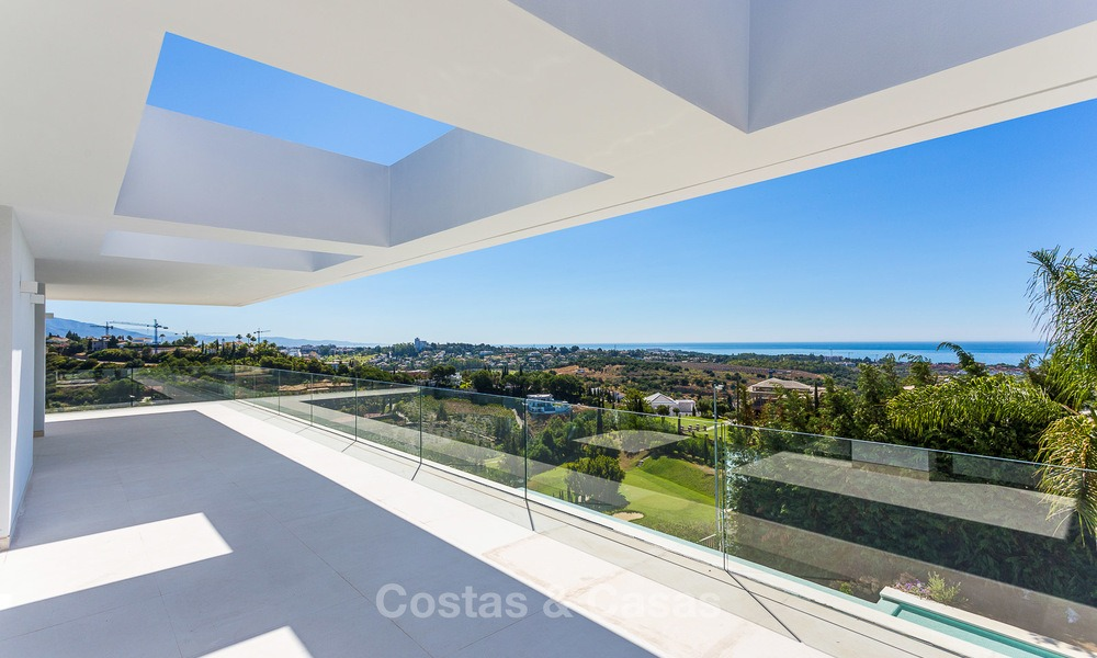 Majestic modern villa with panoramic sea views for sale, front-line golf, Benahavis - Marbella 6851