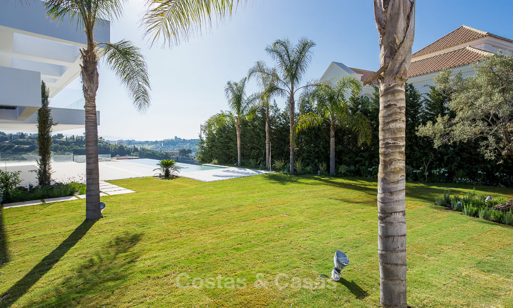 Majestic modern villa with panoramic sea views for sale, front-line golf, Benahavis - Marbella 6857