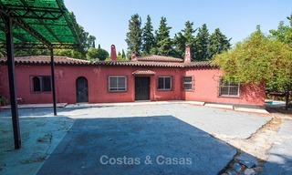 To be renovated villa on a large plot for sale at a spectacular, prime location - Golden Mile, Marbella 6996