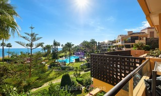 Very attractive luxury beach front apartment with fantastic sea views for sale - New Golden Mile, Marbella - Estepona 7046