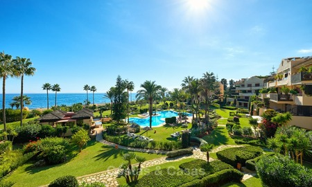 Very attractive luxury beach front apartment with fantastic sea views for sale - New Golden Mile, Marbella - Estepona 7049