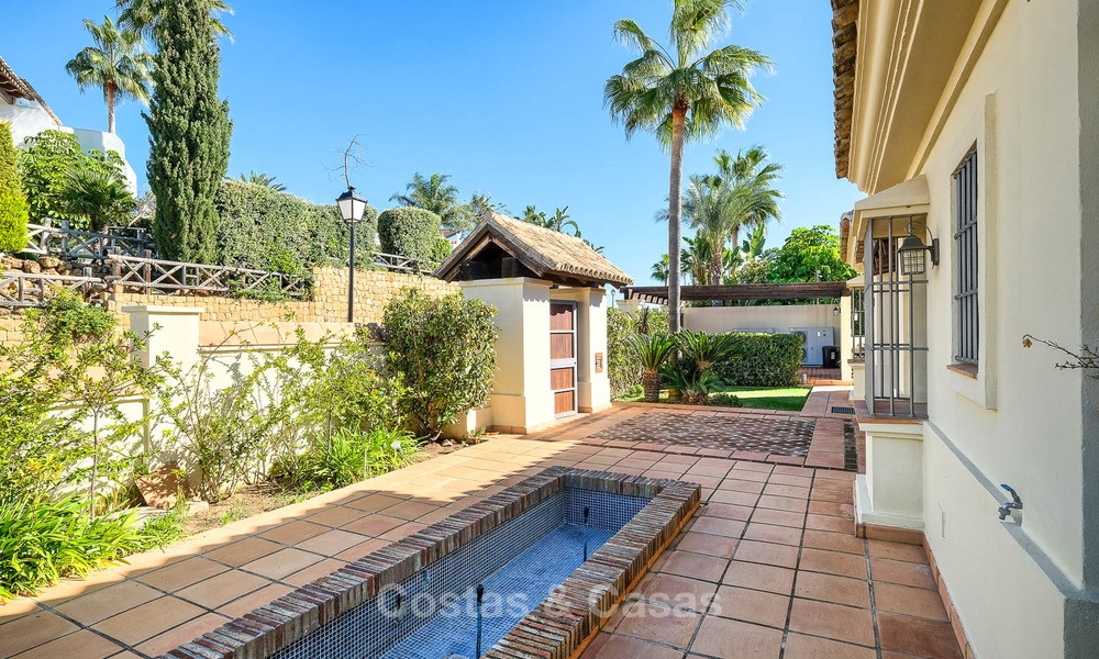 Charming and spacious classical style villa with sea views for sale, gated community, Benahavis - Marbella 7110