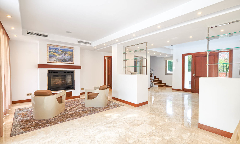 Spacious top-quality new villa for sale, ready to move in, Marbella East 7160