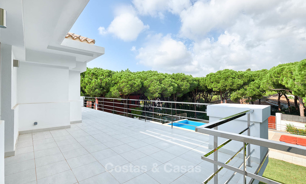 Spacious top-quality new villa for sale, ready to move in, Marbella East 7174
