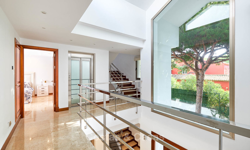 Spacious top-quality new villa for sale, ready to move in, Marbella East 7177