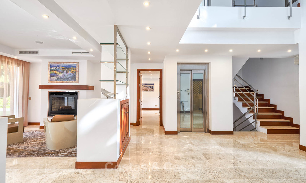 Spacious top-quality new villa for sale, ready to move in, Marbella East 7184