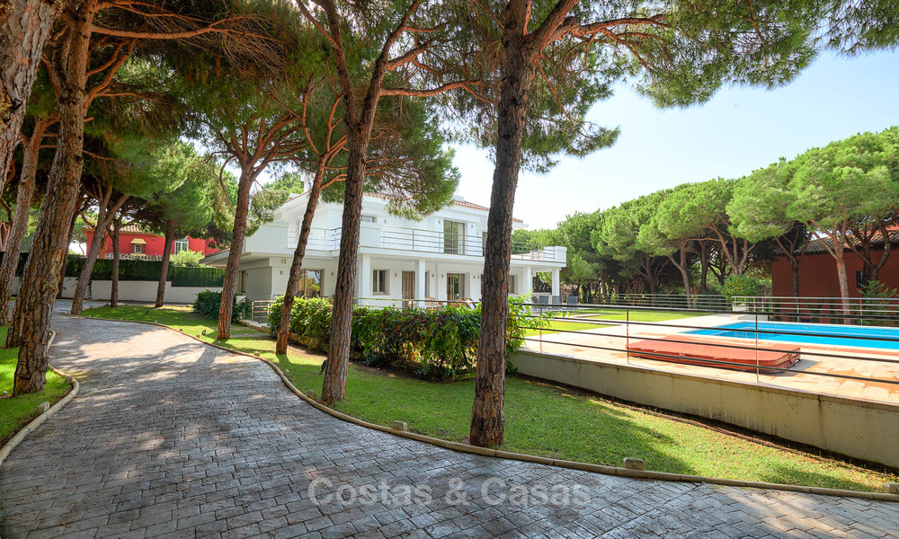 Spacious top-quality new villa for sale, ready to move in, Marbella East 7192