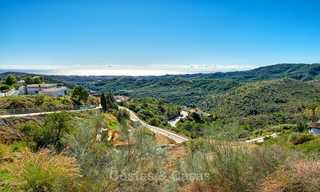 For sale: large building plot with panoramic sea and mountain views in a luxury estate in Benahavis, Marbella 7201