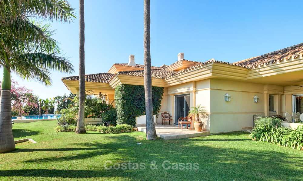 Magnificent rustic-style luxury villa with breath-taking sea and mountain views - Golf Valley, Nueva Andalucia, Marbella 7232