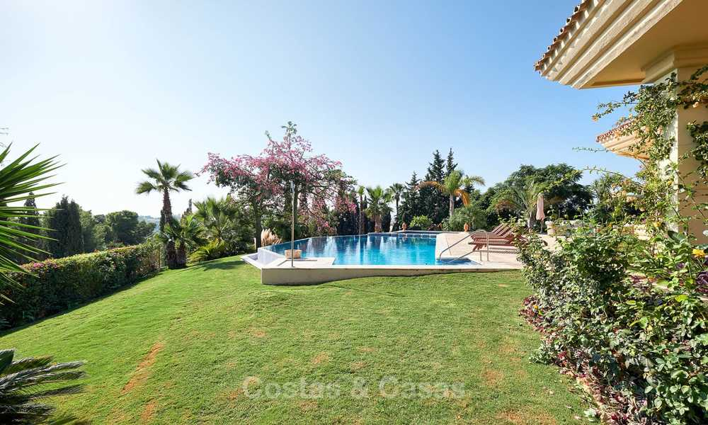 Magnificent rustic-style luxury villa with breath-taking sea and mountain views - Golf Valley, Nueva Andalucia, Marbella 7234