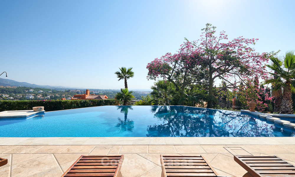 Magnificent rustic-style luxury villa with breath-taking sea and mountain views - Golf Valley, Nueva Andalucia, Marbella 7236