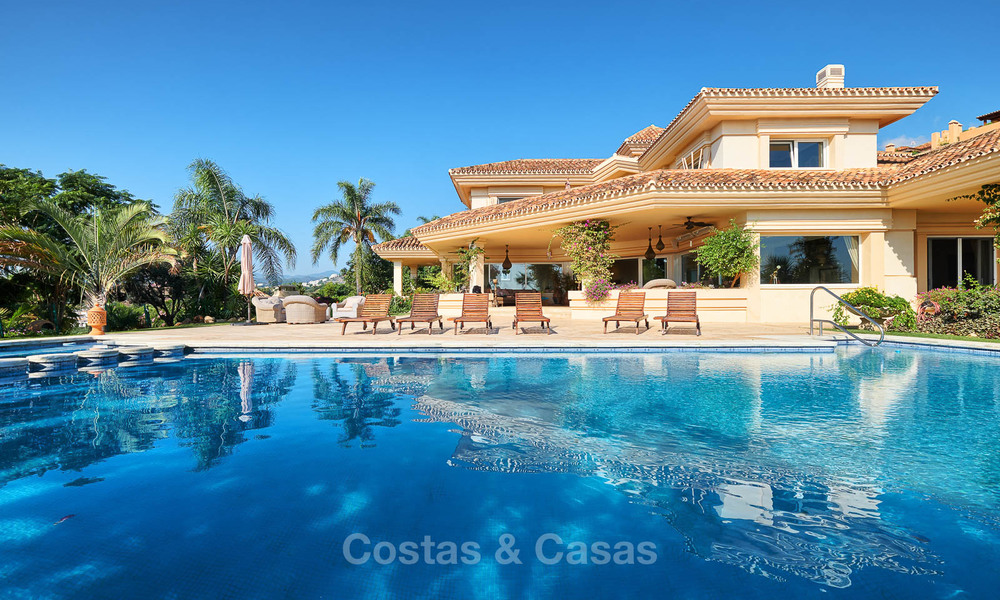 Magnificent rustic-style luxury villa with breath-taking sea and mountain views - Golf Valley, Nueva Andalucia, Marbella 7239
