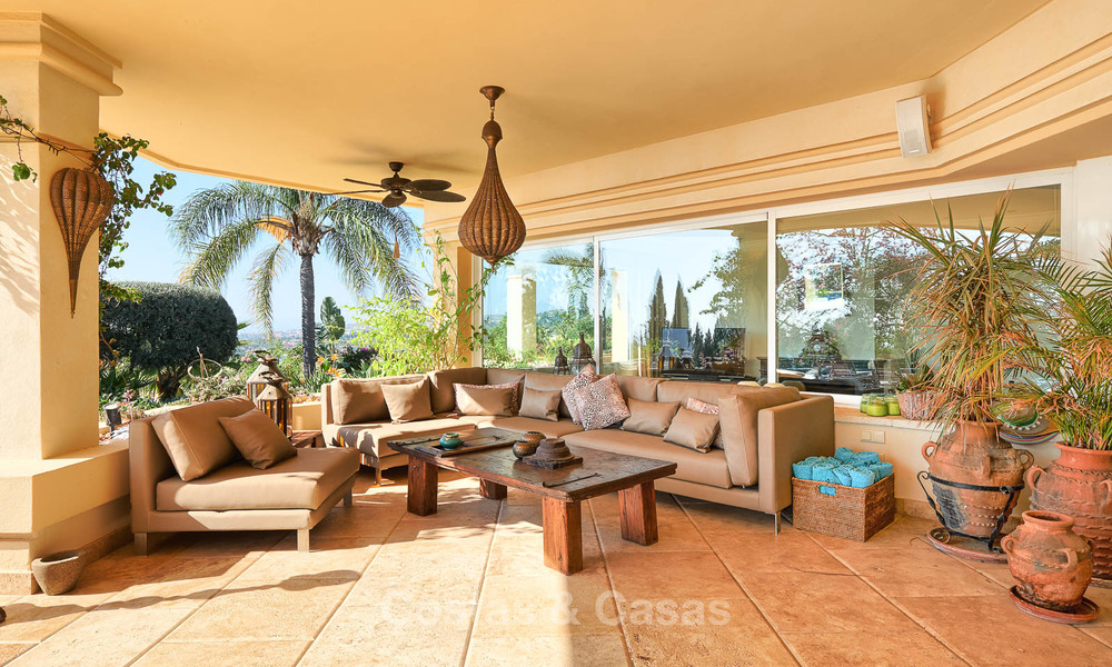 Magnificent rustic-style luxury villa with breath-taking sea and mountain views - Golf Valley, Nueva Andalucia, Marbella 7242