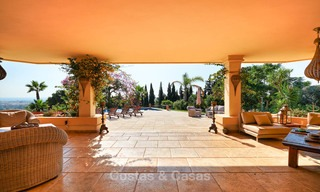 Magnificent rustic-style luxury villa with breath-taking sea and mountain views - Golf Valley, Nueva Andalucia, Marbella 7243