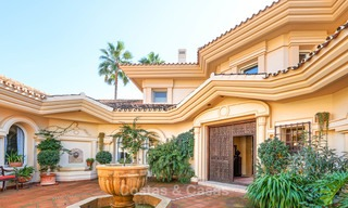Magnificent rustic-style luxury villa with breath-taking sea and mountain views - Golf Valley, Nueva Andalucia, Marbella 7268