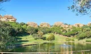 Spacious ground floor luxury apartment with sea views for sale in Elviria, Marbella East 7522