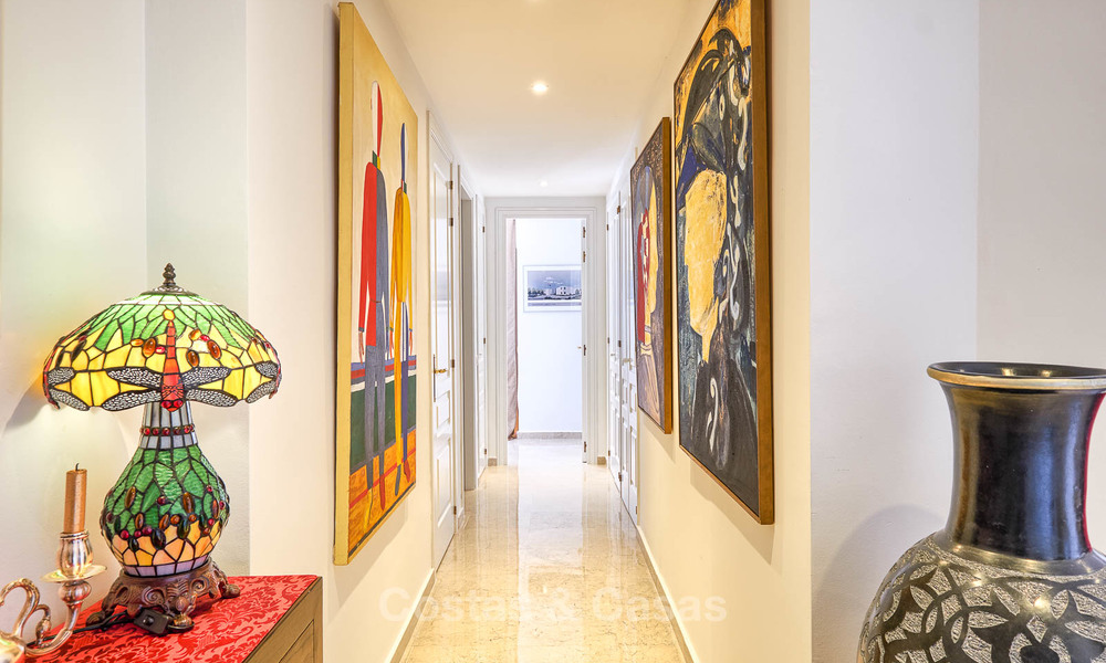 Spacious ground floor luxury apartment with sea views for sale in Elviria, Marbella East 7527