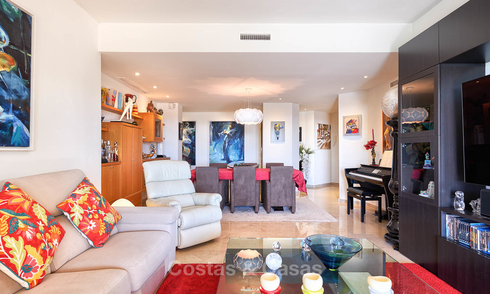 Spacious ground floor luxury apartment with sea views for sale in Elviria, Marbella East 7533