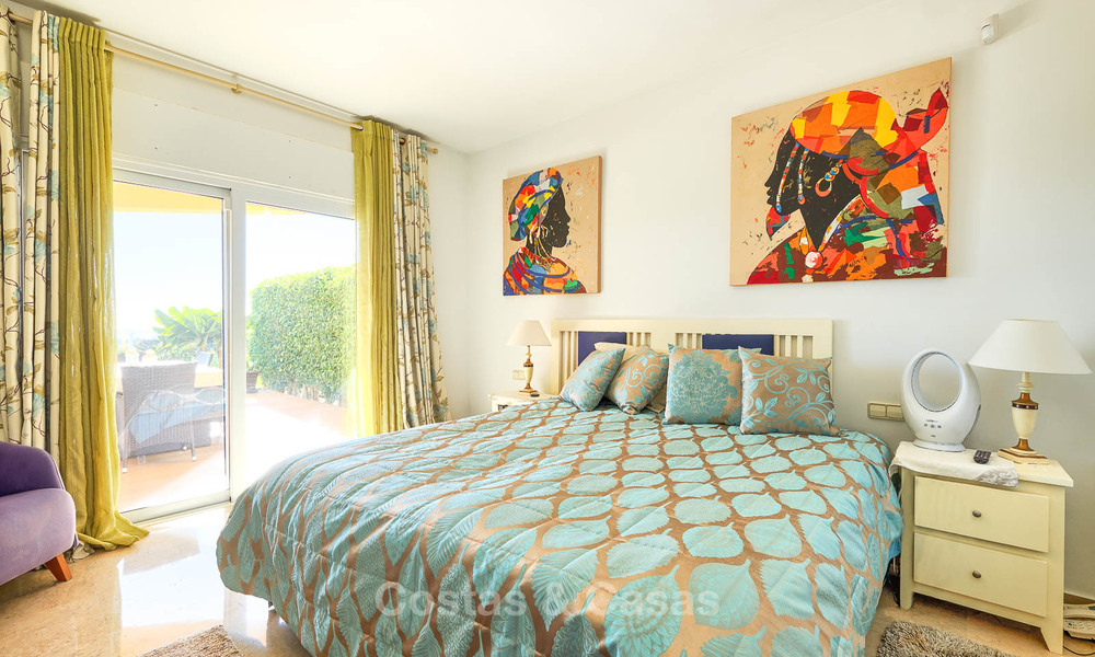 Spacious ground floor luxury apartment with sea views for sale in Elviria, Marbella East 7539